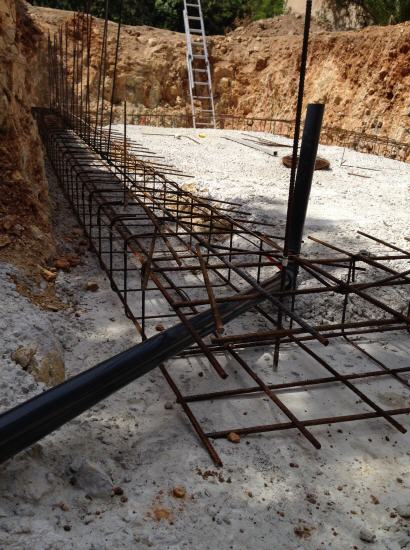 Construcci n de piscinas contratistas mallorca kuhlmann for Materiales para una piscina de hormigon