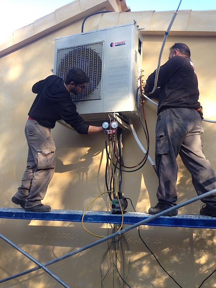 Klimatechnik mallorca mallorca bauunternehmen bau firma for Klimaanlage fenstereinbau