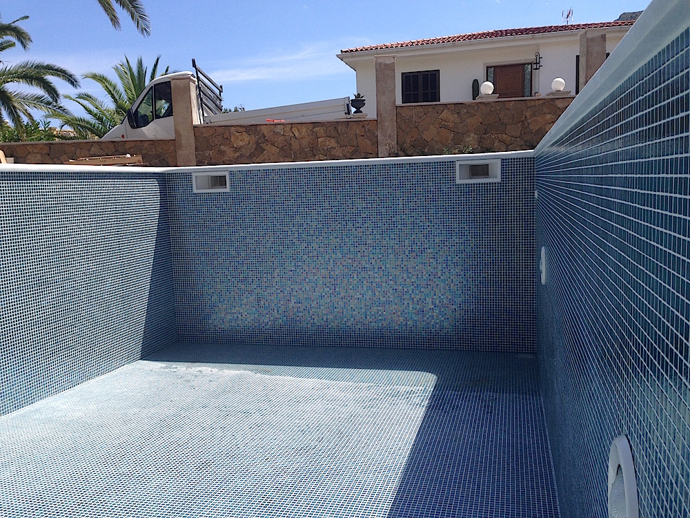 construcci n de piscinas mallorca bauunternehmen bau. Black Bedroom Furniture Sets. Home Design Ideas